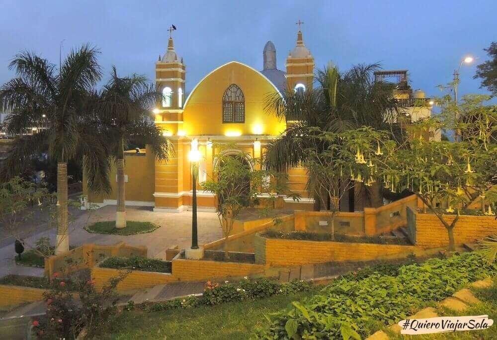 Viajar sola a Lima, iglesia de Barranco