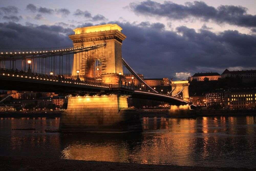 Viajar sola a Budapest, Iria Pardo