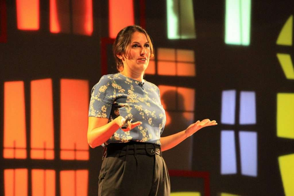 Estela Gómez, blogger de viajes - TEDxMálaga 2019