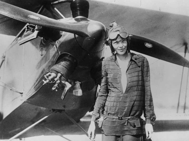 Mujeres que viajaron solas, Amelia Earhart