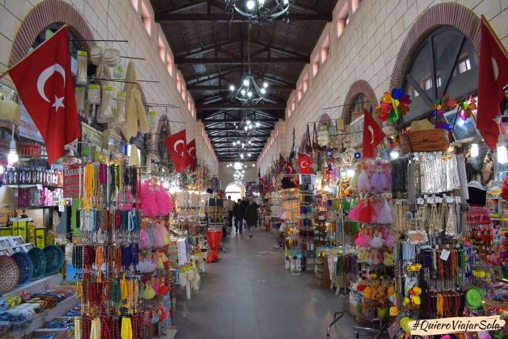 Viajar sola a Çanakkale, Bazar de los Espejos
