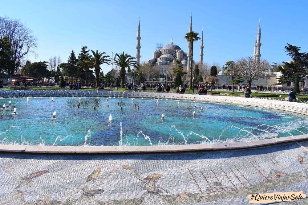 Viajar sola a Estambul, Mezquita Azul