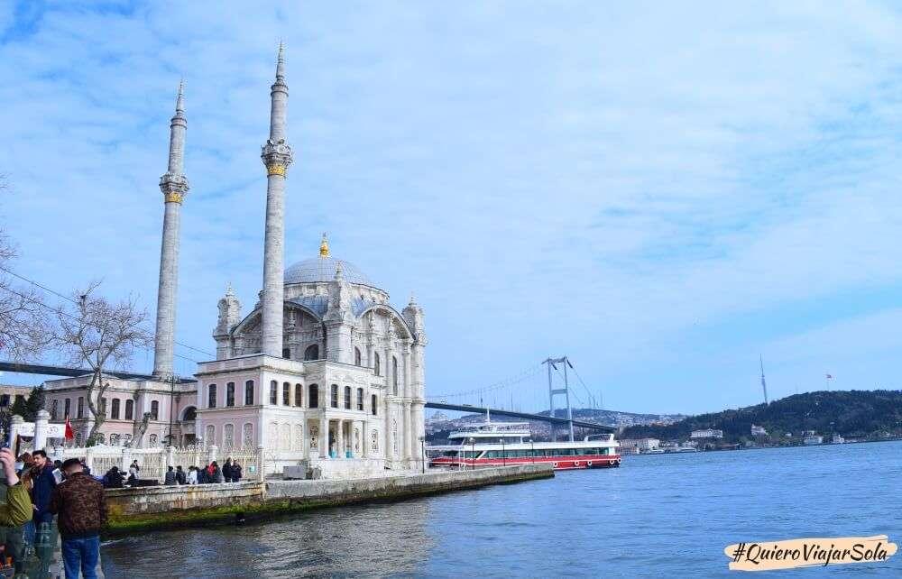 Viajar sola a Estambul, Ortakoy