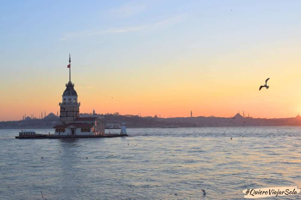 Viajar sola a Estambul, atardecer Uskudar
