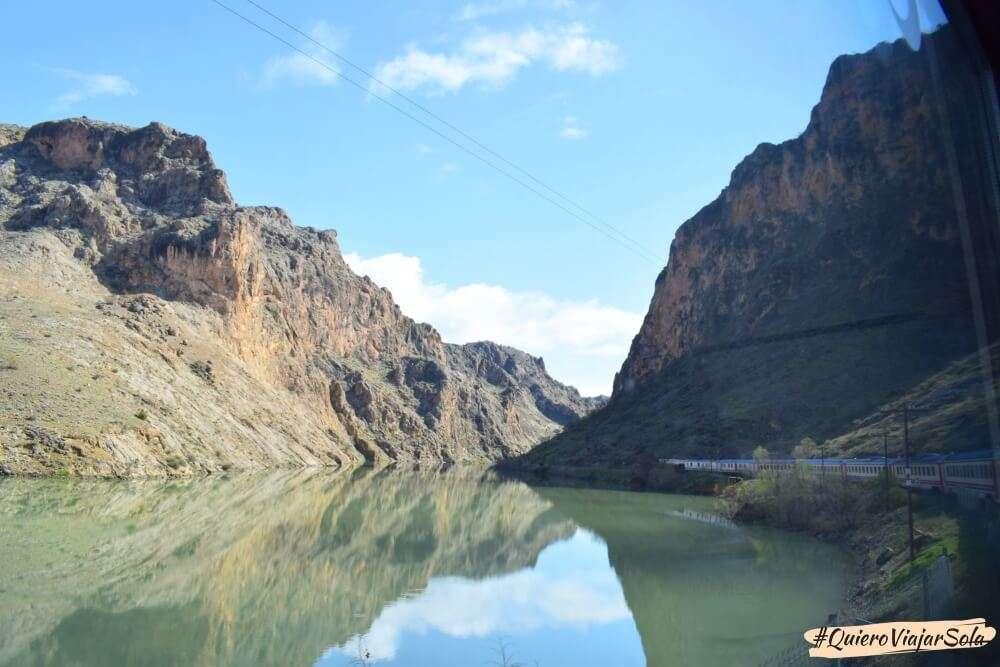 Viajar en el Dogu Ekspresi, rio Eufrates