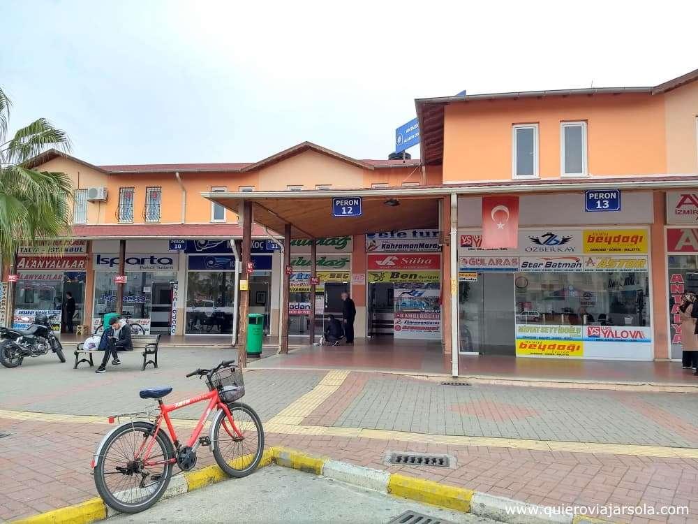 Viajar sola a Antalya y Alanya, estación de autobuses de Alanya