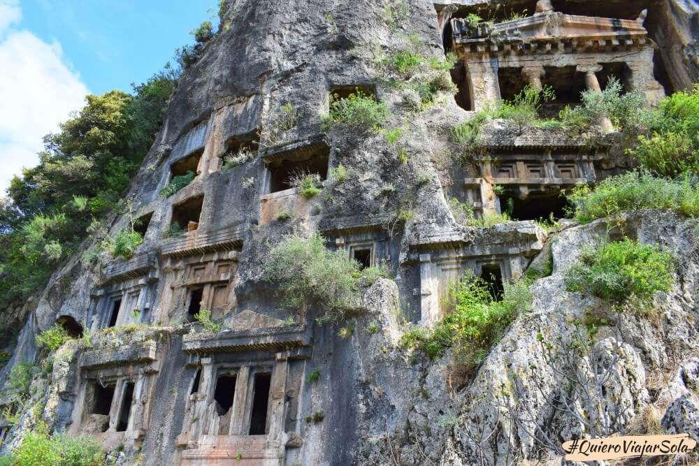 Viajar sola a Fethiye y Ölüdeniz, tumbas licias