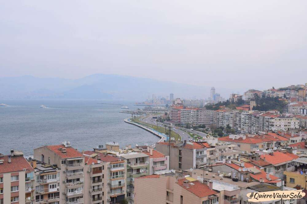Viajar sola a Izmir, Asansor