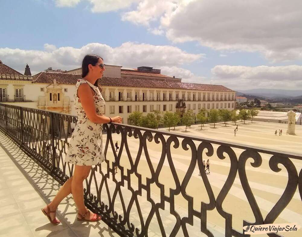 Viajar sola a Coimbra, Universidad