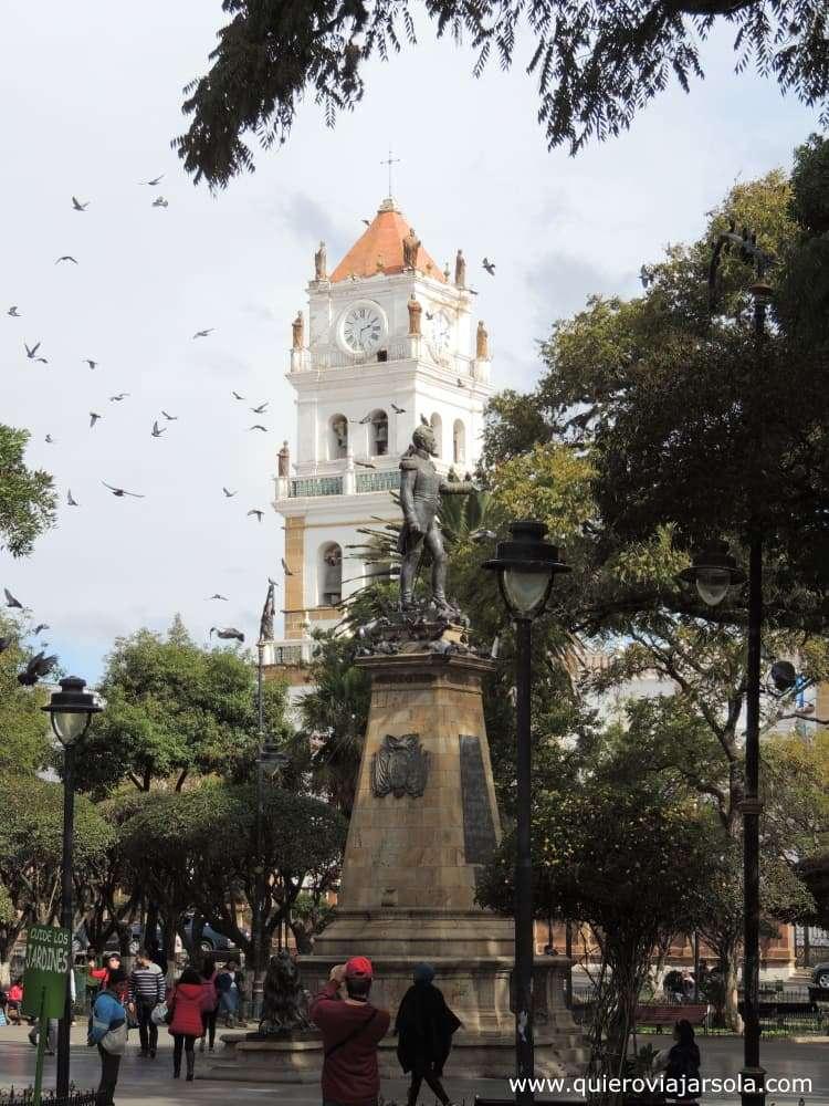 Viajar sola a Sucre, Plaza 25 de Mayo