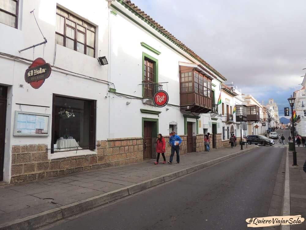 Viajar sola a Sucre, calle colonial