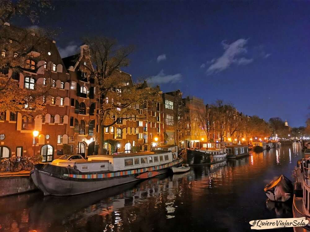 Viajar sola a Ámsterdam, canales