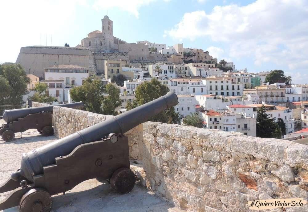 Viajar sola a Ibiza, Dalt Vila