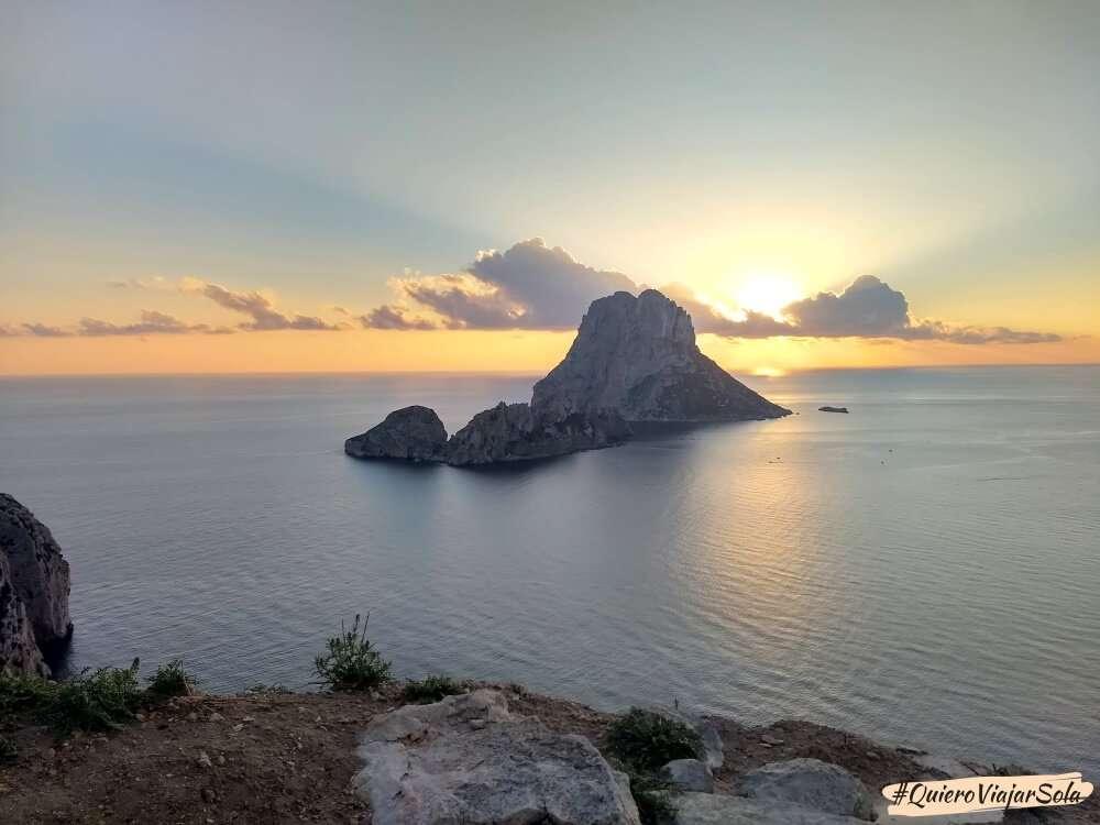 Viajar sola a Ibiza, Es Vedrá