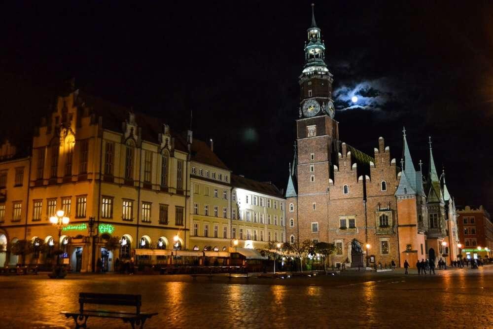 Polonia para un primer viaje sola, Cracovia de noche