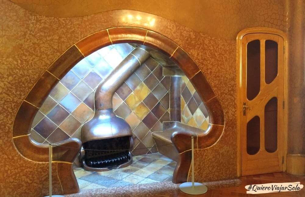 Visitar la Casa Batlló, chimenea