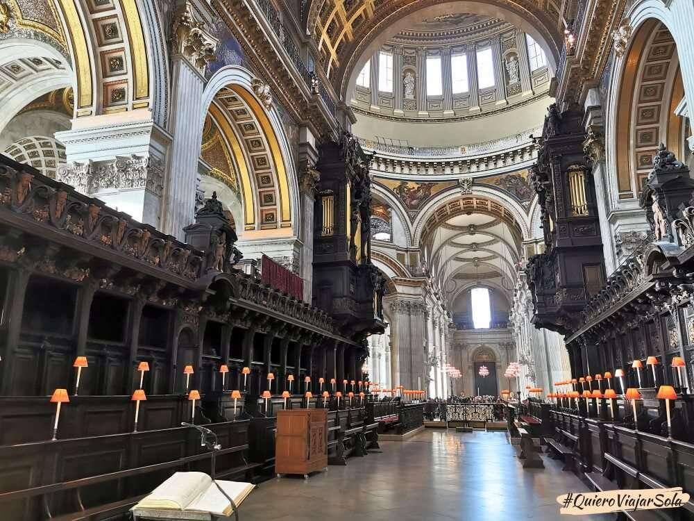 Visitar la Catedral de San Pablo, coro