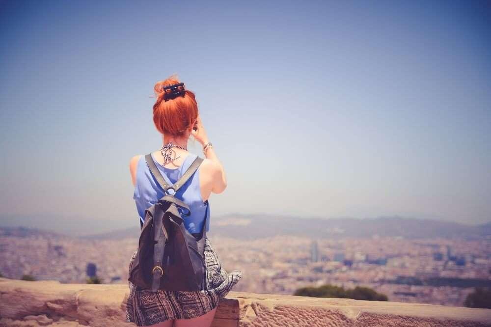 Viajar sola en tu ciudad, pasear
