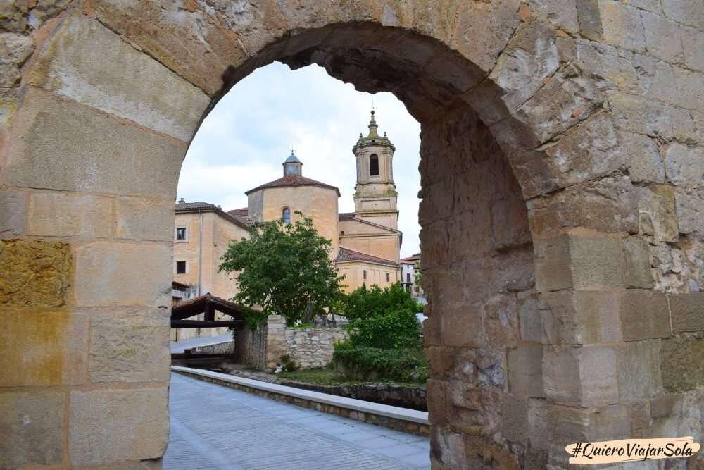 Visitar Santo Domingo de Silos, Arco de San Juan