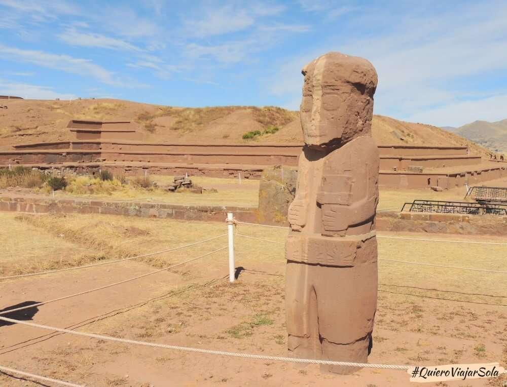 Excursión a Tiwanaku, monolito Fraile