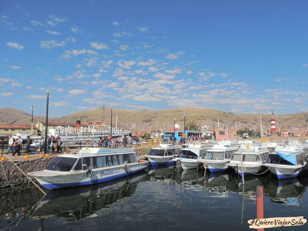 Ir a las islas de los Uros, puerto de Puno
