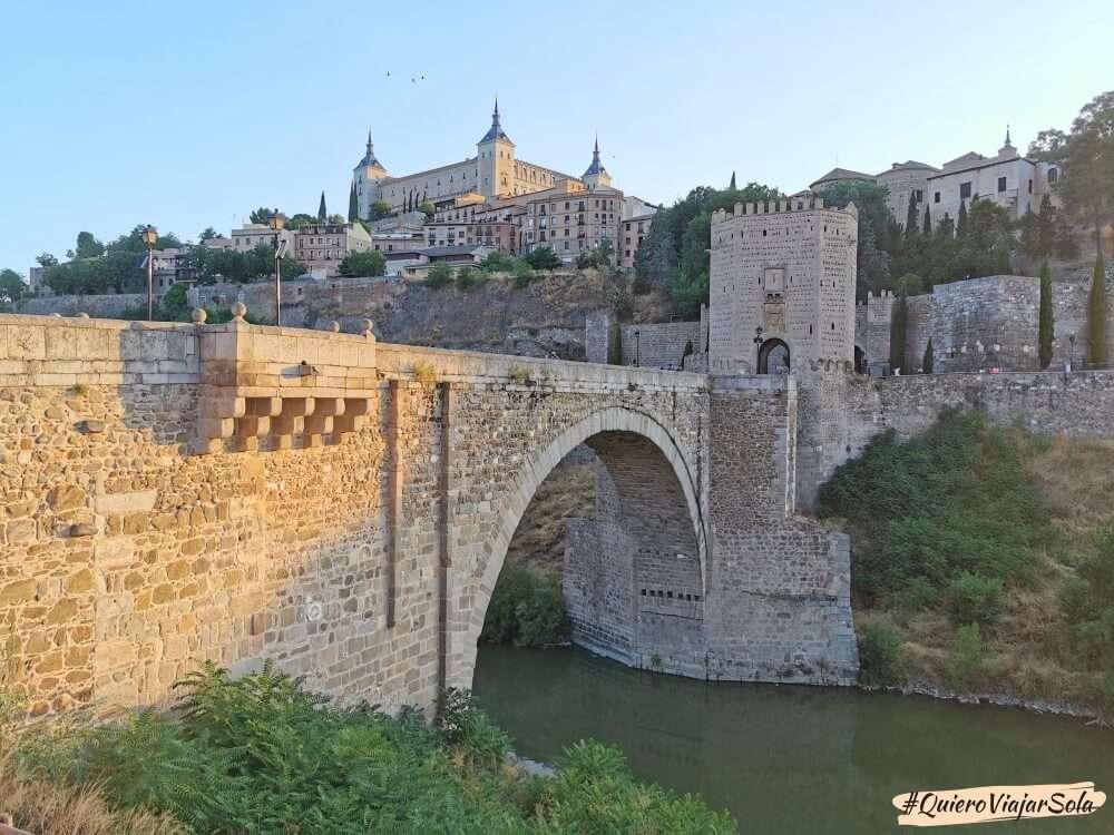 Viajar sola a Toledo, puente de Alcántara