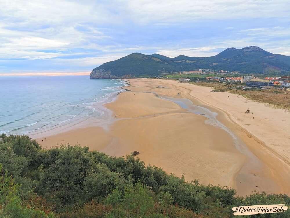 Camino del Norte, playa de Berria