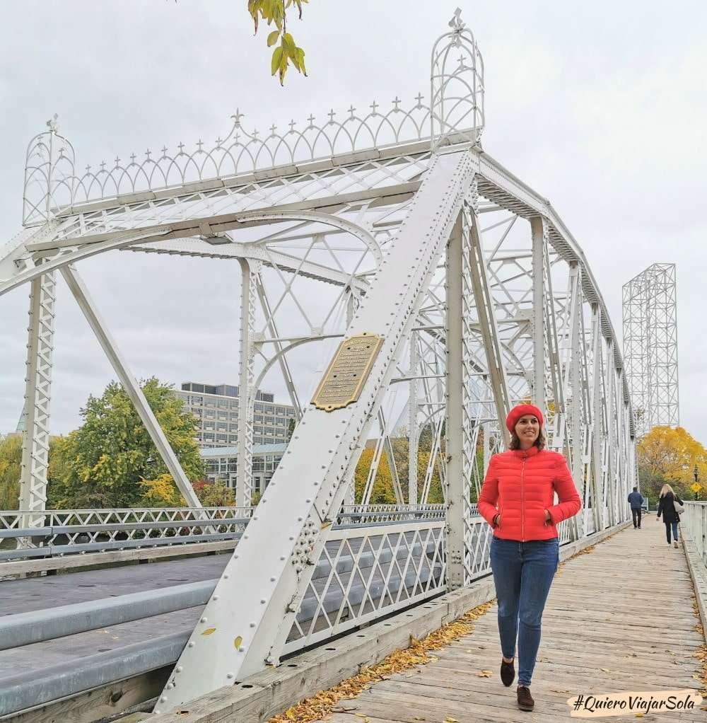 Otoño en Ottawa, Minto Bridges