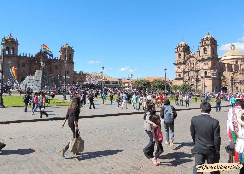 Viajar sola a Cusco, Plaza de Armas