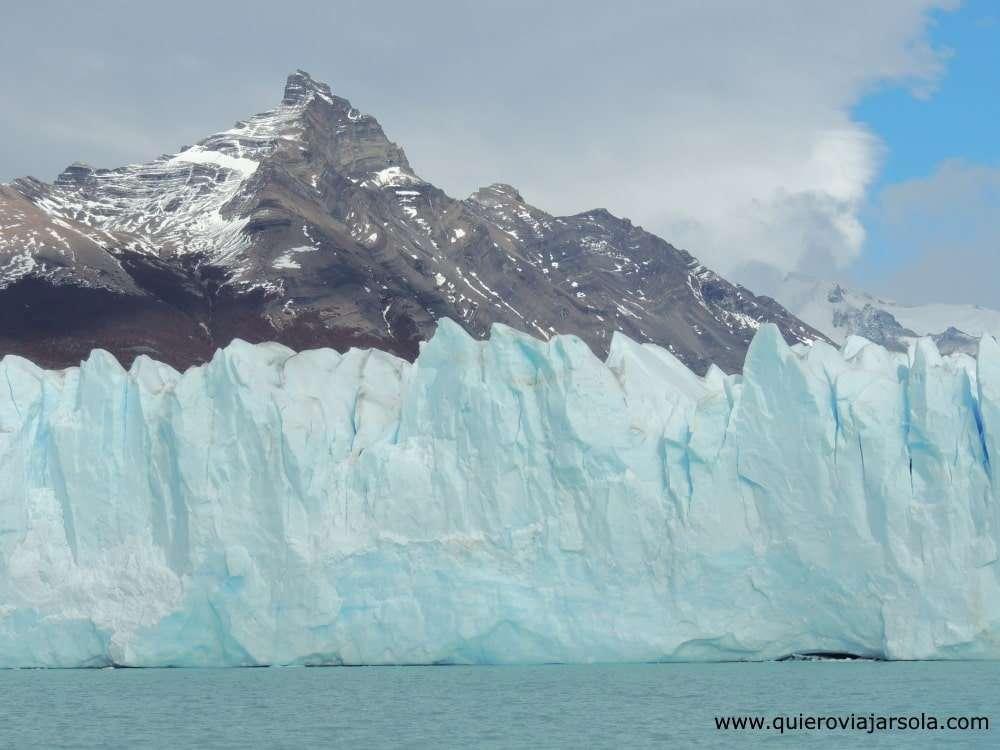 Cómo llegar al Perito Moreno, vista del glaciar durante la navegación