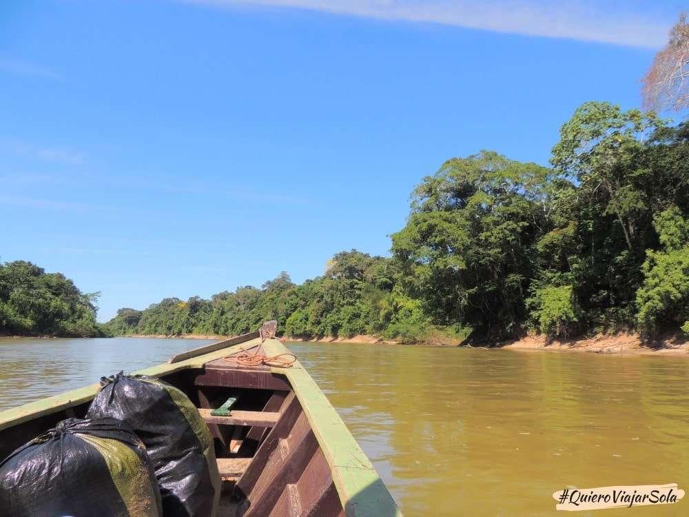 Viajar sola a Puerto Maldonado, río