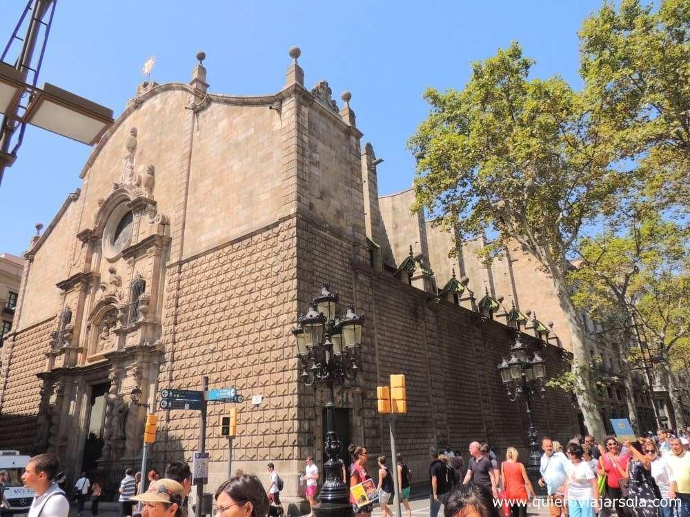 Qué ver en La Rambla de Barcelona, iglesia de Belén