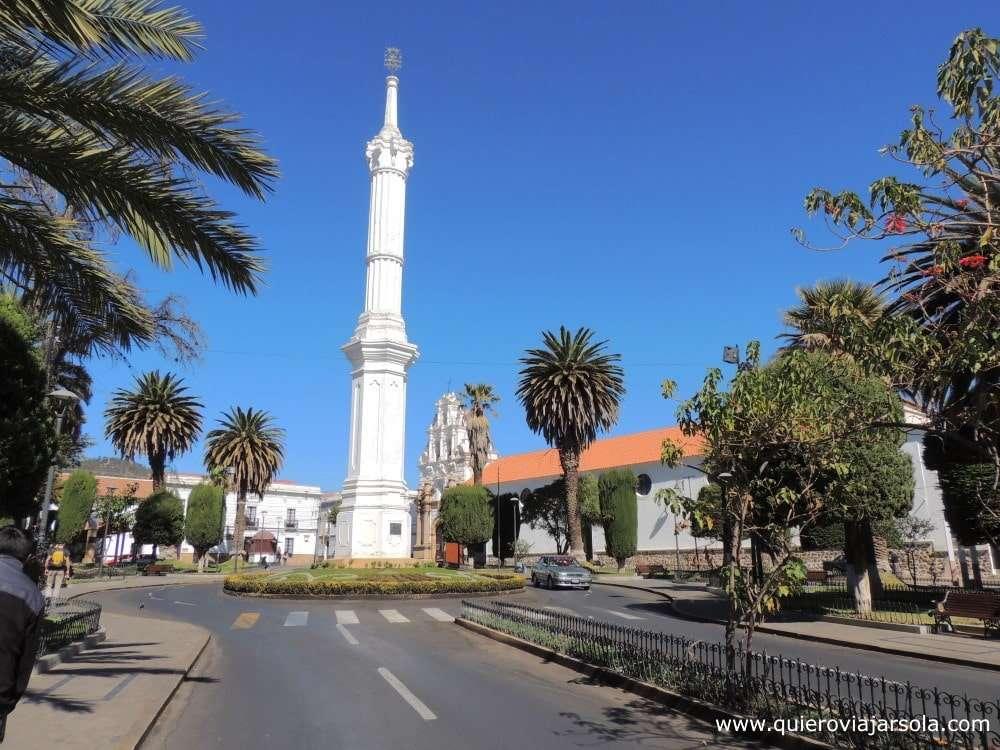 Que hacer en Sucre, obelisco