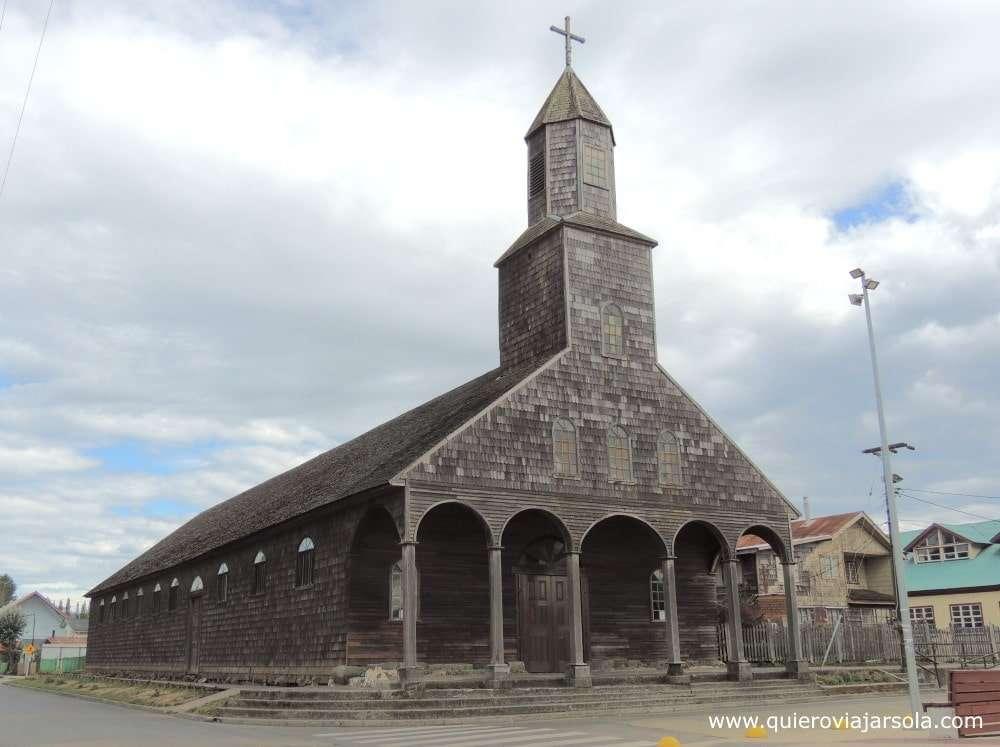 Viajar sola a Chiloé, iglesia de Achao