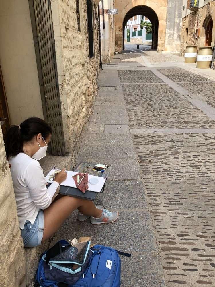 Viajar sola pintando, en Covarrubias
