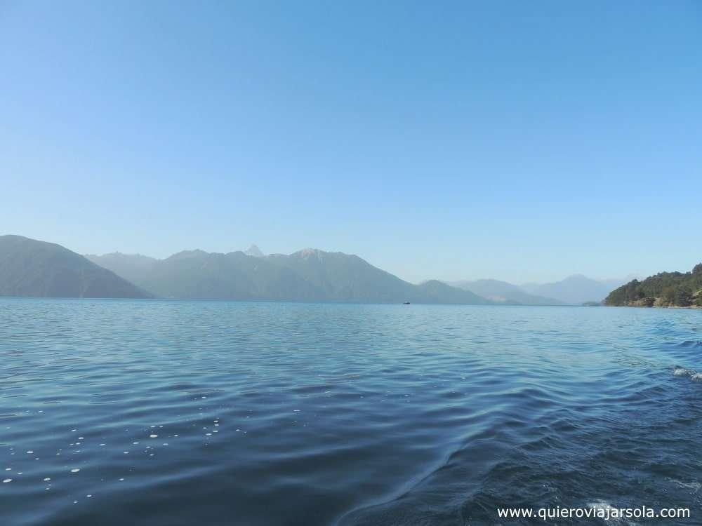Visitar los Saltos del Petrohué, lago de Todos los Santos