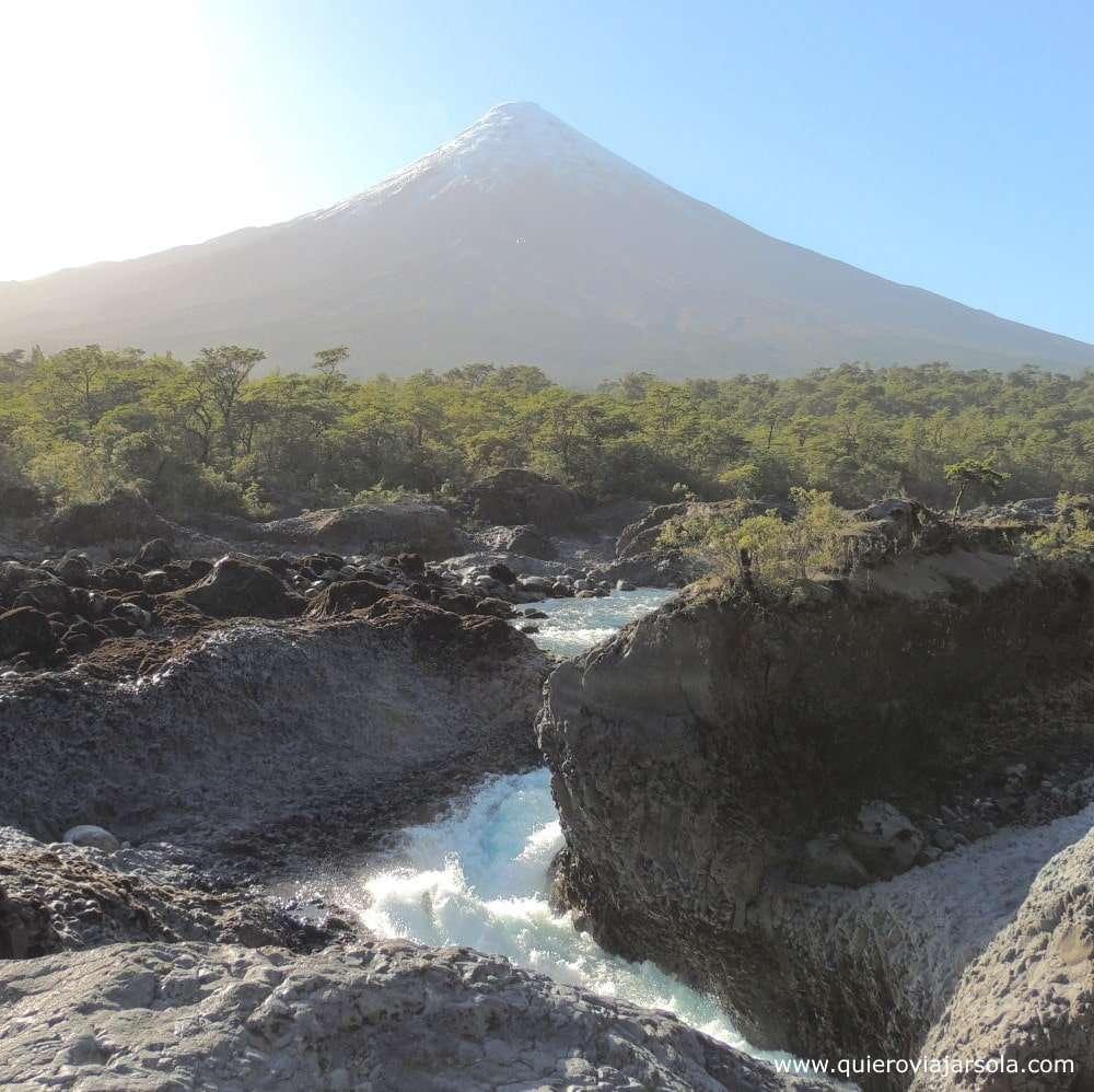 Visitar los Saltos del Petrohué, volcán Osorno