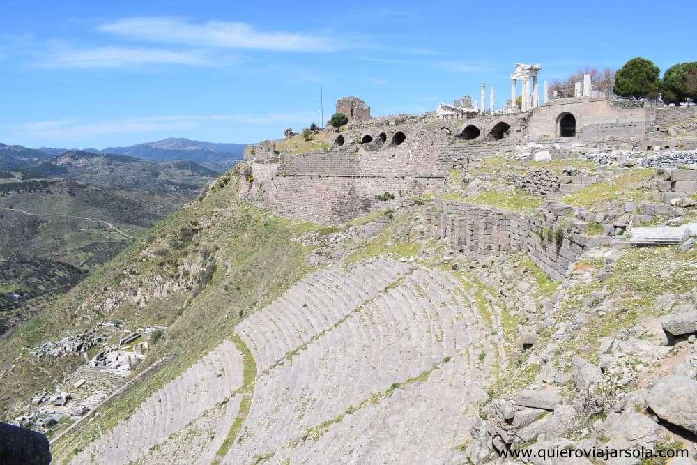 Ir a Pérgamo, Acrópolis