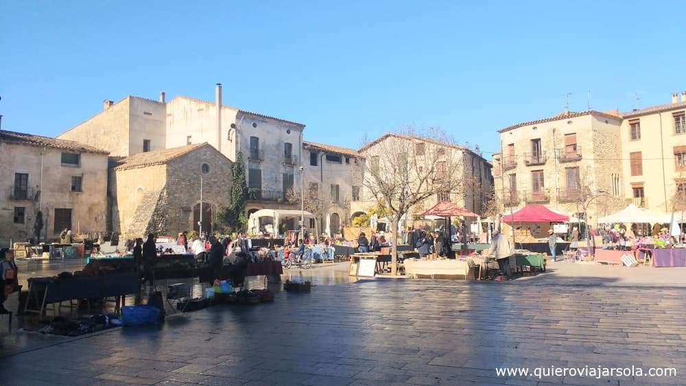Qué ver en Besalú, plaza de Sant Pere