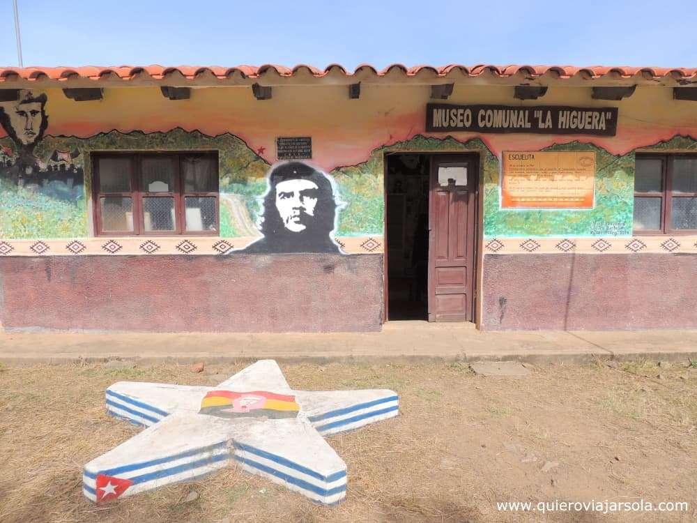 Ruta del Che, escuelita de La Higuera