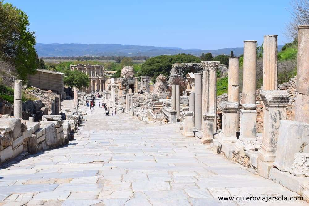 Visitar Éfeso, Calle Curetes