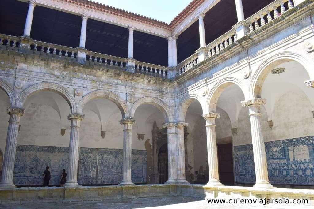 Qué ver en Viseu, claustro de la Catedral