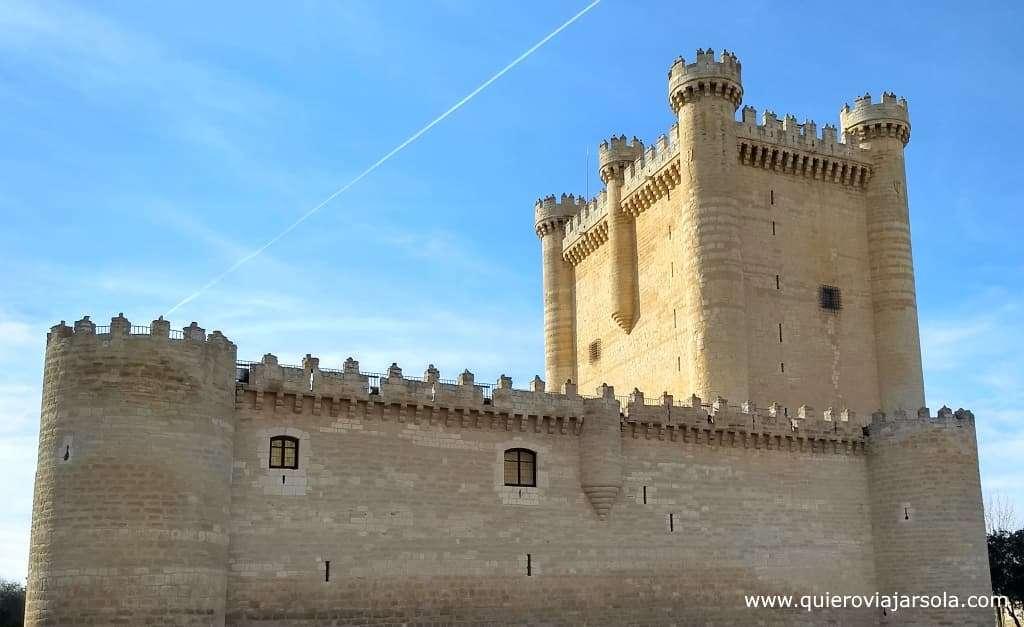 Senderos del Clarete, castillo de Fuensaldaña