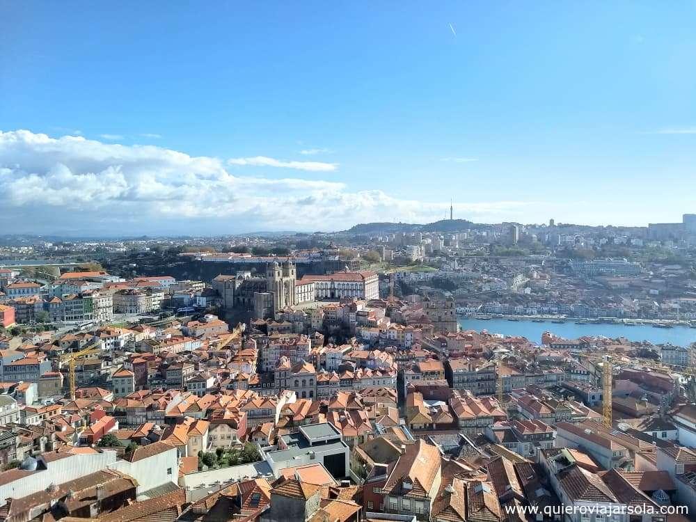 Viajar sola a Oporto, vista iglesia de los clérigos