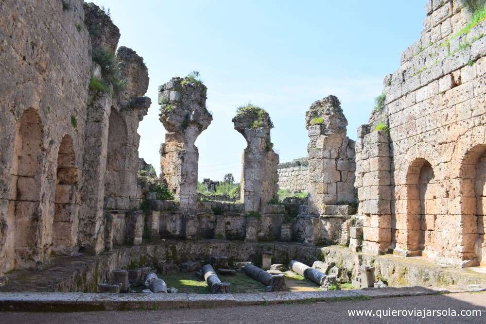 Visitar Perge, termas romanas