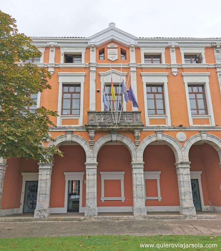 Qué ver en Colombres, ayuntamiento Ribadedeva