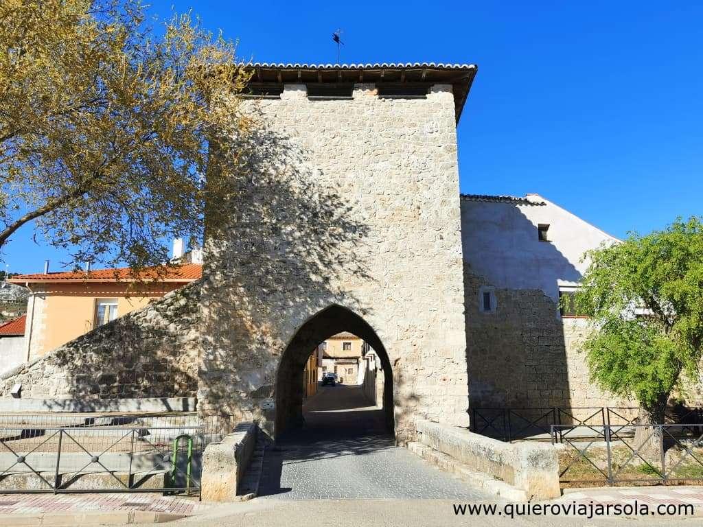Qué ver en Dueñas, puerta de la muralla