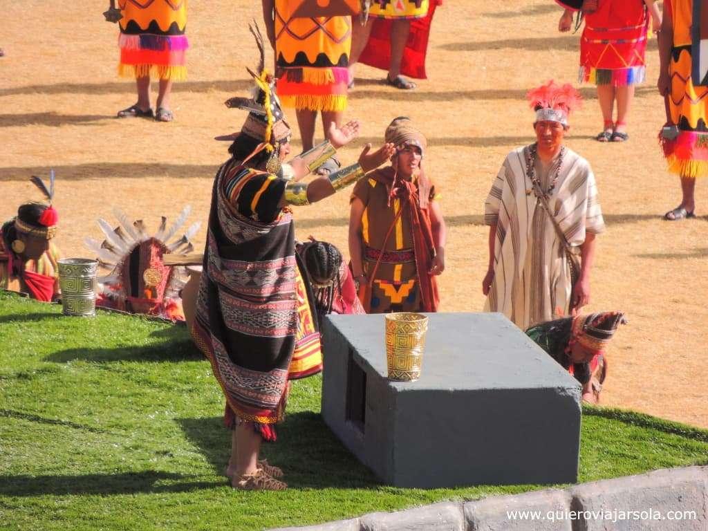Inti Raymi en Cusco, ofrenda inca