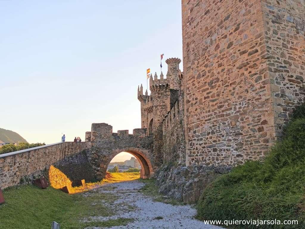 Camino Francés, castillo de Ponferrada