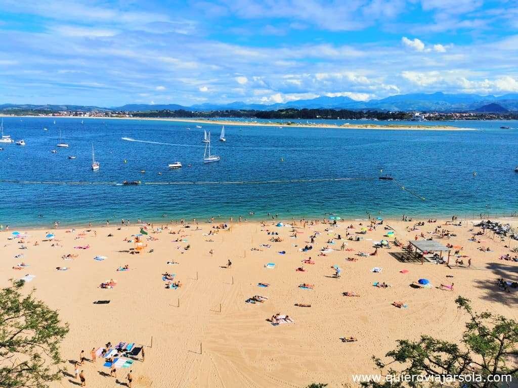 Viajar sola a Santander, playa bahía